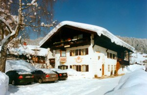Haus Achental Schnee