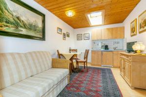 Wohnküche im Appartment des Altenburger Hofes, Reit im Winkl